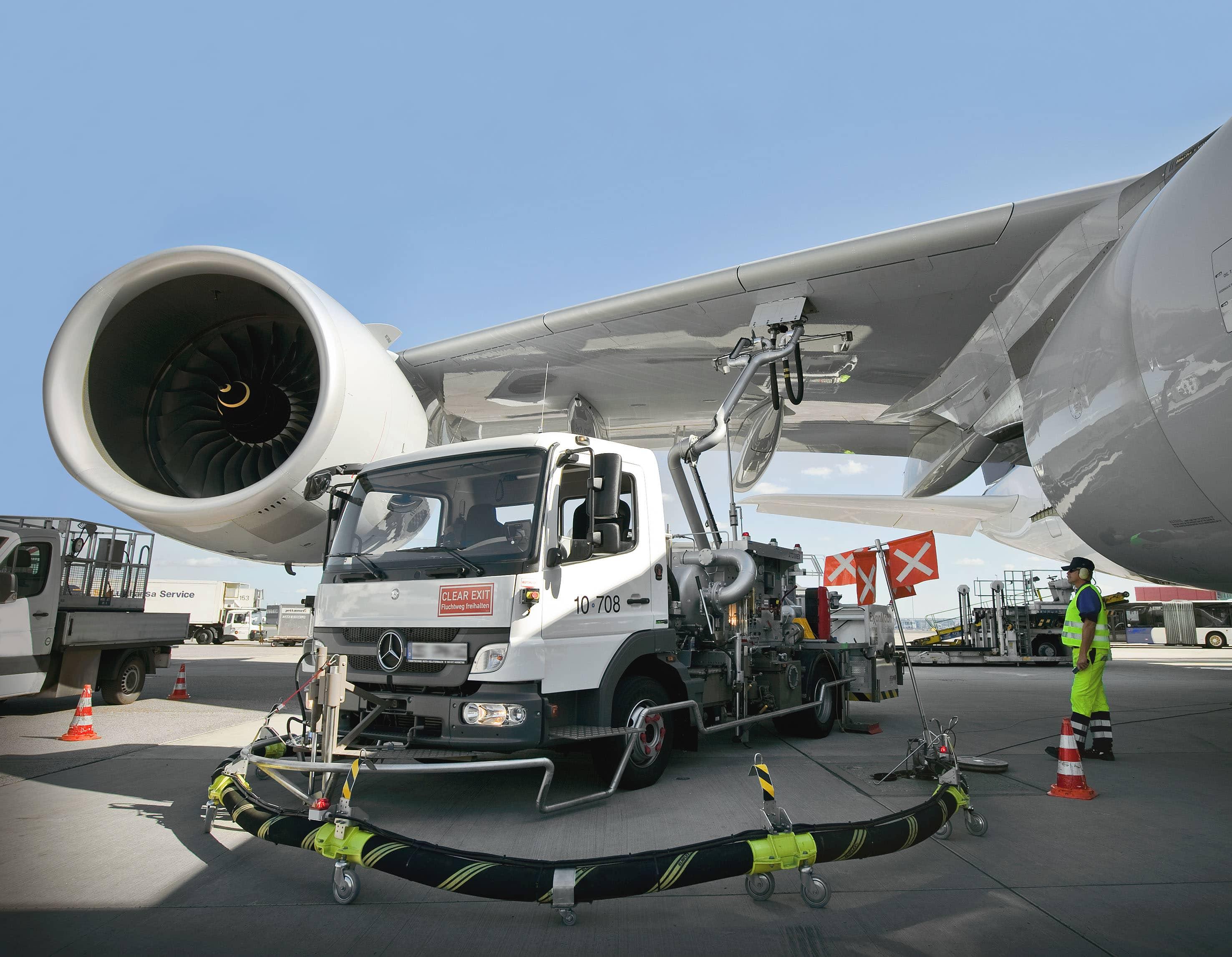 Mengenal Dua Jenis Bahan Bakar untuk Pesawat